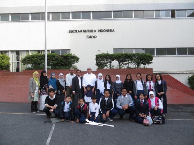 59768 medium kemdikbud buka lowongan 40 gurutenaga kependidikan untuk sekolah indonesia di luar negeri