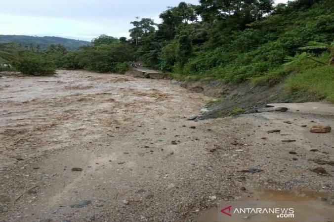 59932 medium jalur palu kulawi putus total diterjang banjir