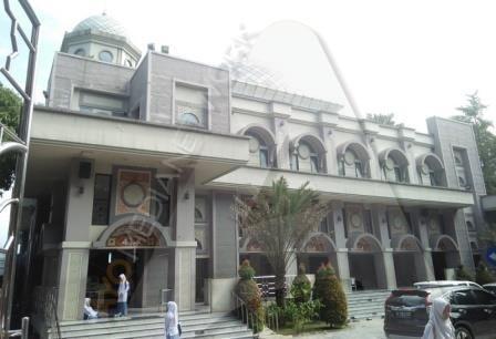 60677 medium masjid