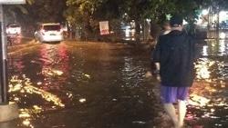61436 small perumahan di bekasi banjir usai diguyur hujan sejak sore tadi