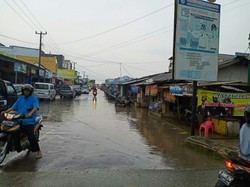 61782 small hujan deras  pasar unit ii banjir