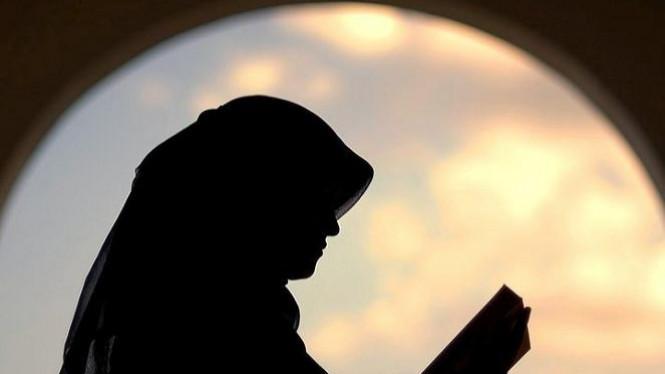 61808 medium ilustrasi muslimah