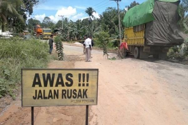 61900 medium jalan terputus diterjang banjir  4 kecamatan di sigi terisolir