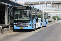 61947 small dear commuter  berikut penyesuaian rute transjakarta imbas ricuh 22 mei