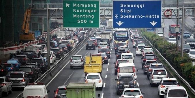 62078 medium pengalihan arus lalu lintas di sekitar kpu  bawaslu  dan mk ditutup