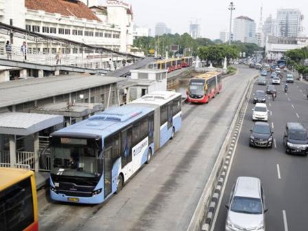 62449 medium layanan transjakarta koridor 1 dan 2 kembali normal