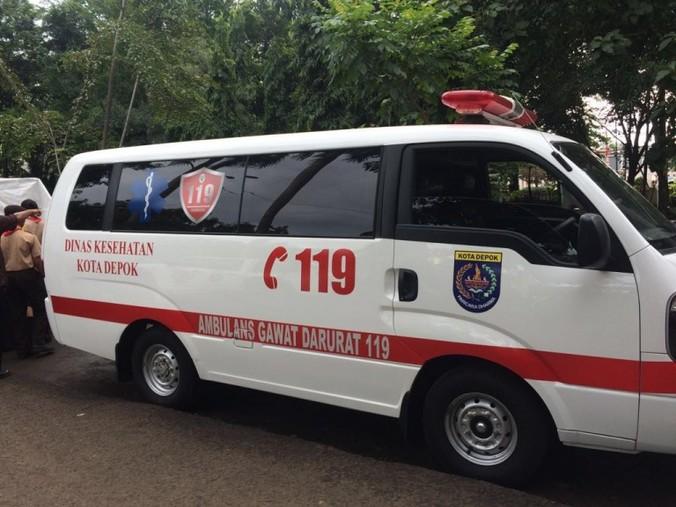 62741 medium dinkes siagakan sembilan ambulans selama libur lebaran