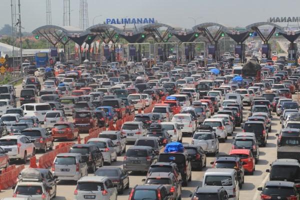 63112 medium hingga saat ini  1 juta lebih kendaraan mudik tinggalkan jakarta
