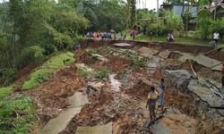 64099 small ahli lingkungan undip 23 daerah di jateng rawan banjir dan tanah longsor