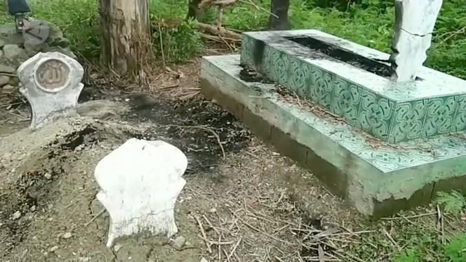64101 medium aksi pembakaran makam resahkan warga palu