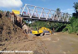 64181 small terdampak banjir  pemerintah berupaya pulihkan akses jalan di sulteng