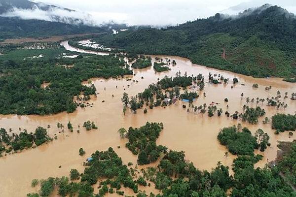 64513 medium antarafoto banjir bandang konawe utara trans sulawesi kendari 09062019 jojon 1 1