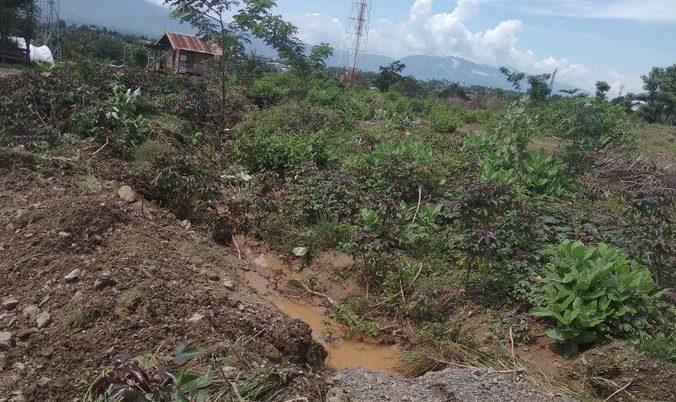 64608 medium saluran air ditimbun untuk bangun huntap  kelurahan duyu jadi banjir