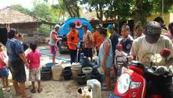 64759 small warga kedawung  subang mulai kesulitan air bersih