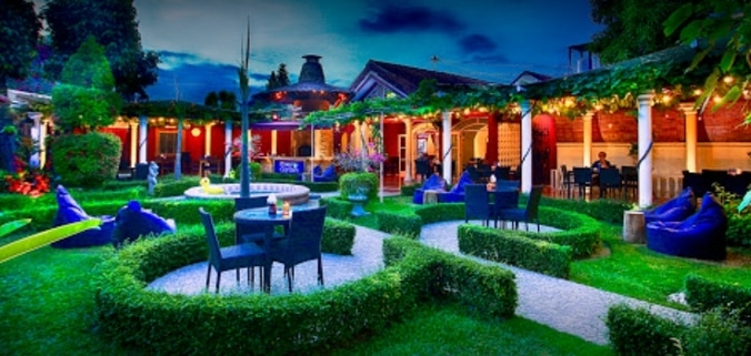 65622 medium %28lowongan kerja%29 dibutuhkan resto waitresspramusaji di easy garden restaurant   cafe yogyakarta
