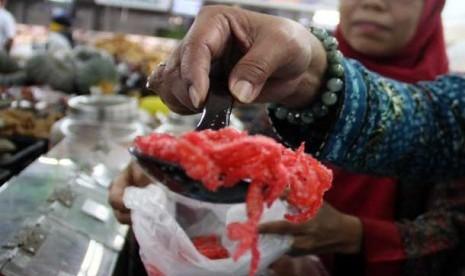 6585 medium pangan berformalin dan boraks ditemukan di jaktim
