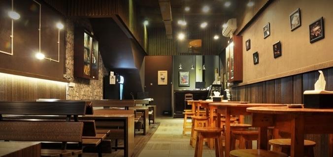 66875 medium %28lowongan kerja%29 dibutuhkan waiterpramusajiserver di strumento bar   pub gading serpong %28walk in interview  wawancara langsung%29