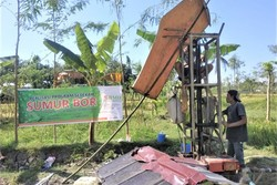67095 small hadapi krisis air bersih  bmh bangun sumur bor