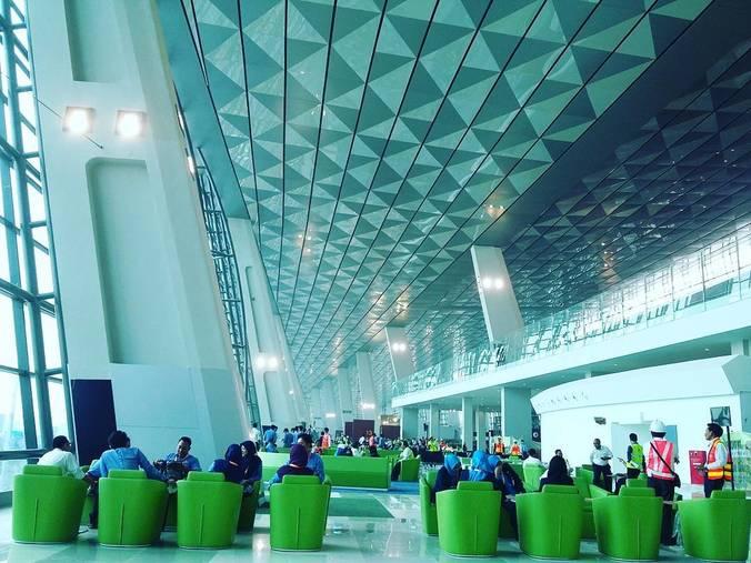 6766 medium terminal 3 ultimate bandara soekarno hatta