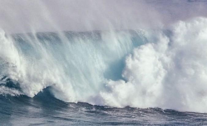 67856 medium banjir pesisir ancam jakarta  semarang dan demak