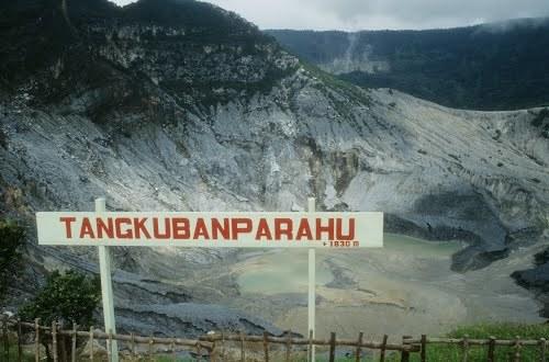 68366 medium taman wisata alam gunung tangkuban parahu masih tutup