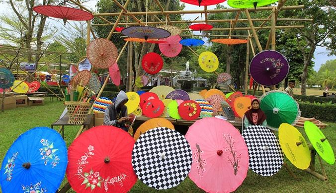 69337 medium festival payung indonesia 2019
