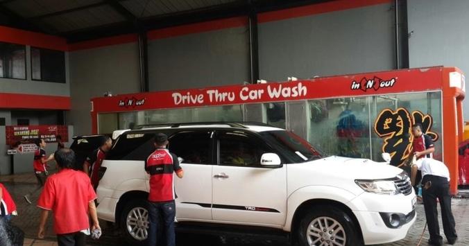 69662 medium %28lowongan kerja%29 dibutuhkan karyawan cuci mobil  sopan  jujur  tanpa pengalaman di in n' out car wash surabaya %28walk in interview  wawancara langsung%29