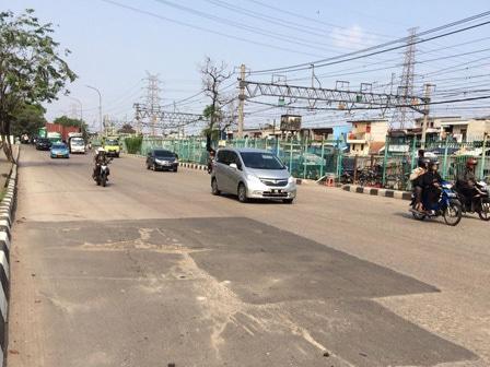 6985 medium sejumlah jalan di jakut butuh betonisasi