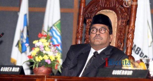 7003 medium survei rano karno 039melesat039 ungguli kandidat gubernur banten lainnya