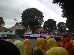70113 small upacara bendera