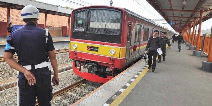 7261 medium mulai hari ini tarif krl commuter line naik rp 1000 per penumpang