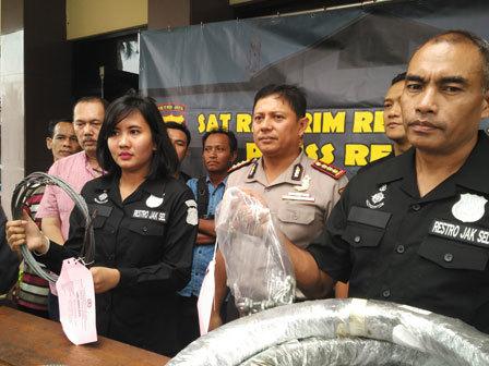 733 medium polisi tetapkan 3 tersangka kasus lift wisma nestle