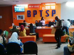 7659 small bptsp dki luncurkan pelayanan imb 3 jam