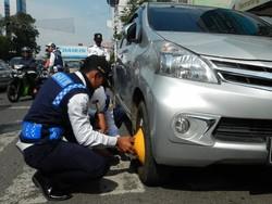7717 small sejak januari 2016  17 ribu mobil diderek dan 64 ribu dicabut pentilnya