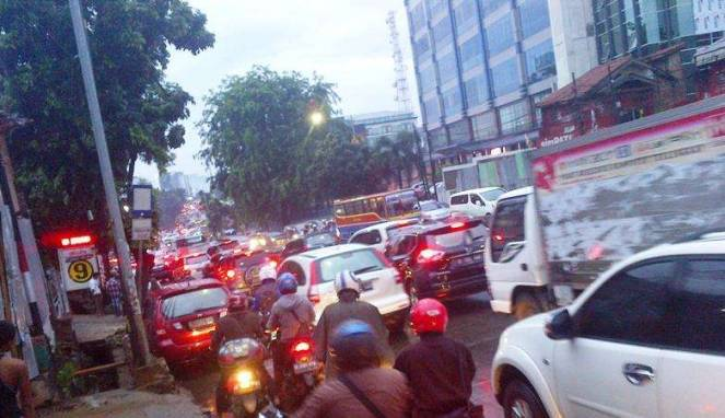 8562 medium macet