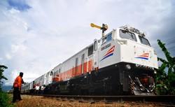 8811 small pt kai tambah 28 kereta untuk angkutan natal dan tahun baru