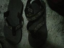 883 small sandalgunung