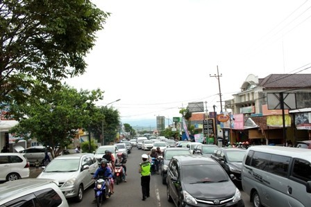 8944 medium batu macet