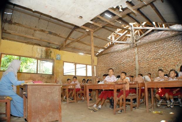 8974 medium f sekolah rusak eky fajrin