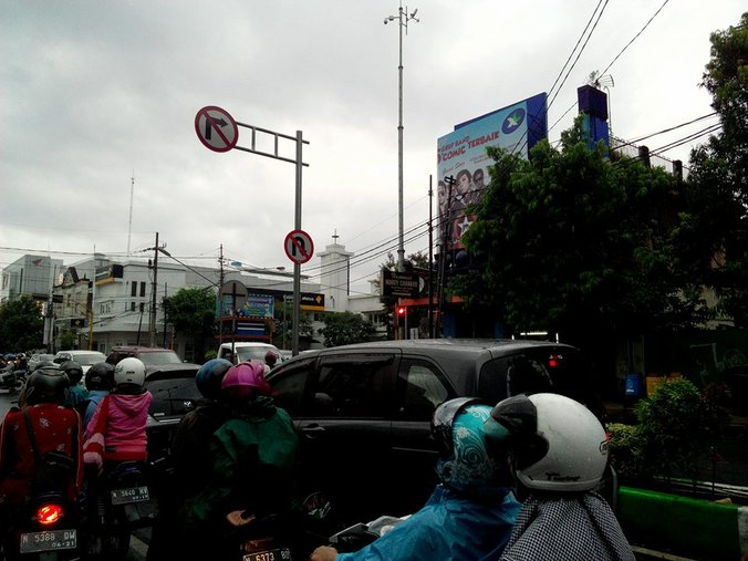 9227 medium 99. macet basuki rahmat