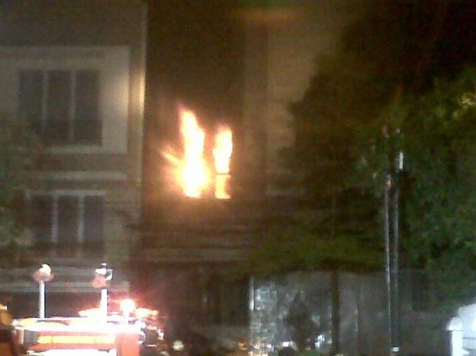 9433 medium usai tahun baruan  ruko 2 lantai terbakar di jakarta barat