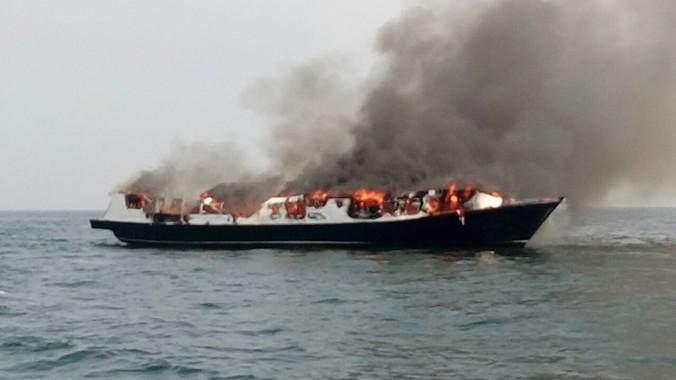 9441 medium kapal wisata terbakar di jakut  bnpb 2 orang tewas dan 7 luka