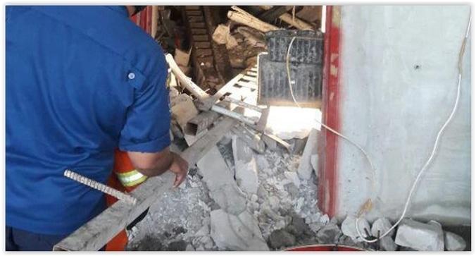 9535 medium pekerja jatuh di apartemen kamala  sudah 35 jam tertimpa reruntuhan