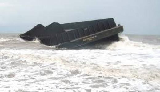 9859 medium kapal tongkang kandas di kepulauan seribu robohkan mercusuar