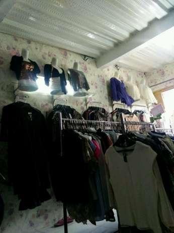 Dicari karyawan utk jaga toko baju di pgc