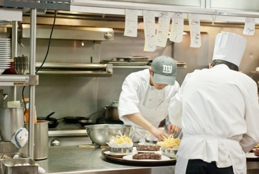 Dibutuhkan 3 karyawan outlet makanan %28 halal %29 lokasi meruya jakbar