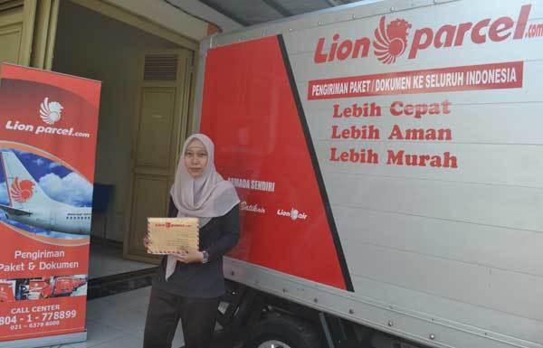 Lowongan kurir pickup delivery paket lion parcel taman ratu