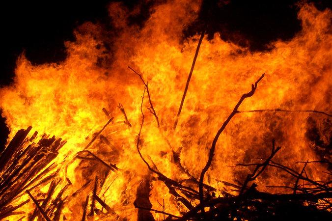 Kebakaran pasar rawakalong bekasi jumat kemarin hanguskan 115 kios
