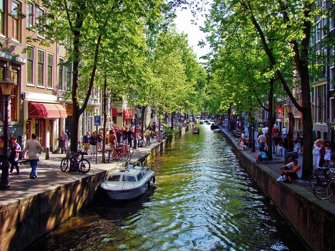 11 21 01 kanal amsterdam belanda