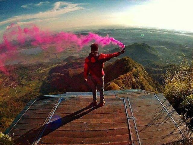 Landasan paralayang tertinggi di indonesia gunung telomoyo